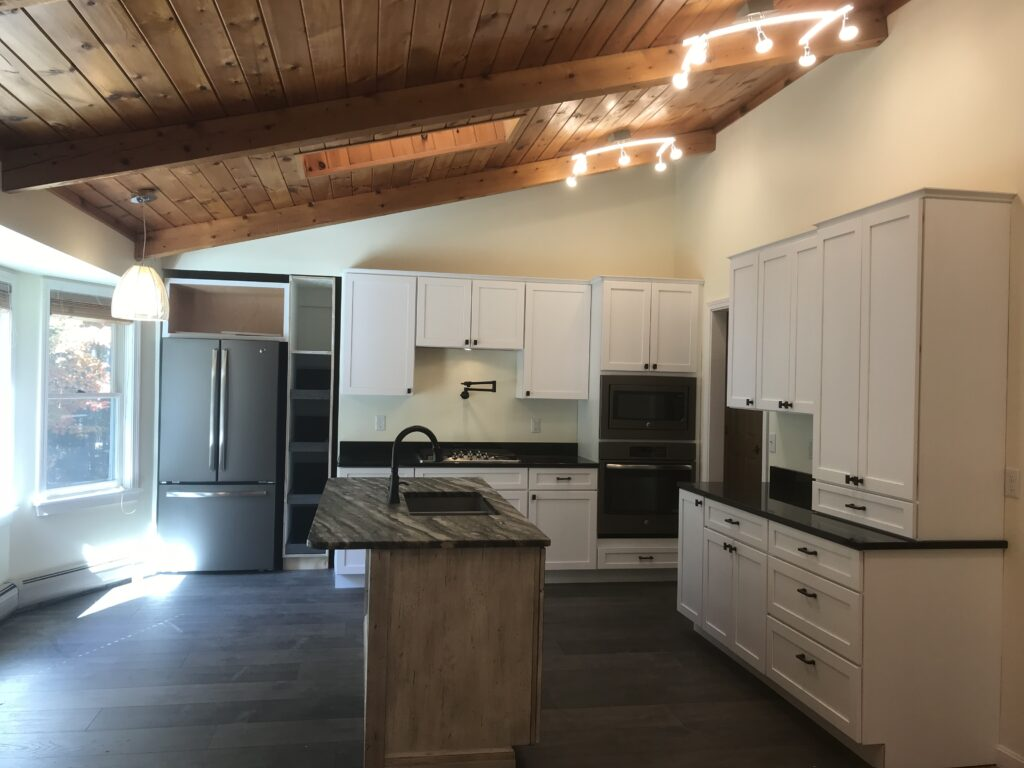 White Maple shaker style cabinets, contrasting island
